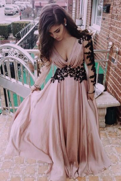 V-Neck Prom Dresses,Long-Sleeve Prom Dress,Appliques Satin Prom Dress,Evening Formal Dresses,Prom Dress for Prom,Prom Gown